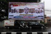 Mau Tahu Apa Saja Isi Tulisan Baliho Habib Rizieq yang Dipereteli TNI?