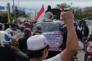 Diadang Puluhan Simpatisan FPI, Demo Ratusan Massa AKAM di Karawang Bubar