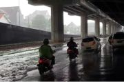 Diguyur Hujan Lebat, Ruas Jalan DI Panjaitan Jakarta Timur Tergenang Banjir