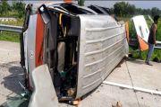 Mobil Rombongan Takziyah Pecah Ban di Tol Jombang, 1 Tewas dan 6 Orang Luka-luka