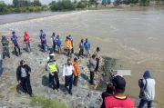Mojokerto Gempar, Wanita Tanpa Busana Tewas Penuh Luka Mengapung di Sungai Brantas