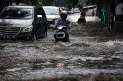 Jalan Panjang Langganan Banjir, Dua Sudis Jakarta Barat Bahu Membahu Normalisasi Saluran