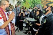 Tinjau Mandalika, Ketua DPD RI Disambut Barisan Laskar Sasak