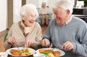 Diet Tinggi Protein dan Rendah Kalori Beri Lansia Manfaat Kesehatan