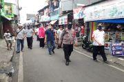 Corona Masih Ada, Tiga Pilar Kelurahan Kampung Rawa Keluar Masuk Gang Ingatkan 3M