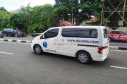 40 Menit Ambulans RS Ummi Sambangi Rumah Habib Rizieq