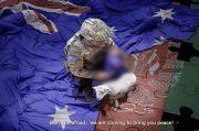 China Posting Foto Tentara Australia Pegang Pisau di Tenggorokan Anak Afghanistan
