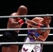 Roy Jones Jr: Aku Kaget Mike Tyson Bisa Bertahan 8 Ronde!