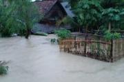 Evakuasi Korban Banjir di Rembang, BPBD Kerahkan Perahu Karet