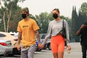 Lagi Tren di Hollywood dan Korea, Masker Bedah Hitam Jadi Viral