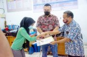 Di Tengah Polemik RKT, Anggota DPRD DKI Ini Malah Lunasi Tunggakan Siswi SMK Tak Mampu