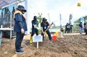 Hijaukan Area Infrastruktur, Kementerian PUPR Tanam 176.241 Pohon