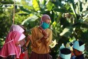 Dosen dan Mahasiswa FTUI Mengajar ke Rumah Warga di Karanggayam, Kebumen