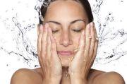 Ingin Wajah Lebih Putih dan Awet Muda? Coba Cuci Muka dengan Air Dingin