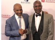 Holyfield Senang Hati Trilogi Lawan Tyson: Ayo, Lakukan Sayang!