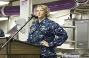 Pertama dalam Sejarah AS, Perempuan Pimpin Kapal Induk Nuklir