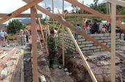 TNI-Polri Bangun Kembali Rumah Warga Sigi Pasca Teror MIT
