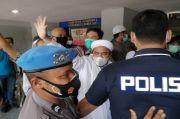 Datangi Polda Metro, 3 Tersangka Kerumunan Petamburan Minta Ditahan Bersama Habib Rizieq