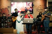 The RYMS Buat Lagu Barunya, Rinduku dalam 3 Bahasa
