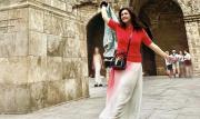 Tampil Modis Istri Komisaris Utama dan Mantan Artis Bella Saphira