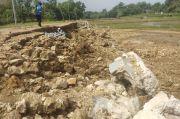 Baru Dibangun Dua Pekan, Tembok Penahan Jalan di Mojokerto Ambruk