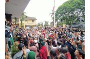 Ratusan Orang Geruduk Mapolres Bogor Kota Minta Habib Rizieq Shihab Dibebaskan