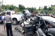 Pecah Ban, Sedan Tabrak Minibus di Tasikmalaya 6 Orang Luka