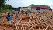 Bocah Empat Tahun Tertimpa Rumah Ambruk di Rembang