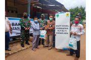 PLN UP3 Bekasi Gandeng TNI Bagikan 300 Paket Sembako untuk Warga Bantar Gebang