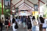 Jelang Aturan Tes PCR Berlaku, Kedatangan Wisawatan ke Bali Terus Melonjak