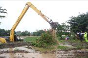 Peringati Hari Infanteri, Pemkab Gowa dan TNI-Polri Bersihkan Sungai Jeneberang