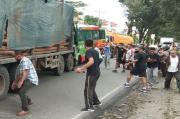 7 Terluka, Fuso Laga Kambing dengan Bus Pariwisata di Jalinsum Pematangsiantar-Perdagangan