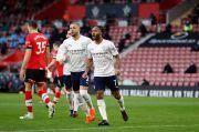 Sterling Bantu Man City Rebut 3 Poin di Markas Southampton