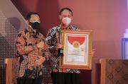 Gubernur Wahidin Terima Anugerah Provinsi Terinovatif dari Mendagri