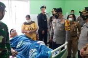 Cek Penanganan Medis, Kapolda Jambi Irjen Rachmad Jenguk Anggota Brimob Korban Kecelakaan Bus
