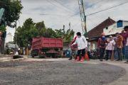 Warga Surabaya Baper Setelah Ditinggal Risma Jadi Mensos