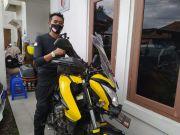 Geber Bajaj Pulsar, Biker Ini Ingin Doakan Kesembuhan Ibu di Mekkah
