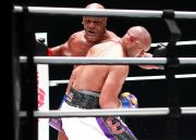 Mike Tyson Blak-blakan Isap Ganja, Lolos Tes Doping, Kok Bisa Ya?