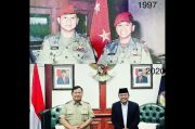 Terungkap, Prabowo dan Wamenhan Pernah Foto Bareng 23 Tahun Silam