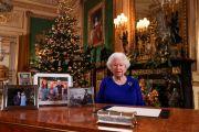 Ratu Inggris Rayakan Natal Tanpa Kehadiran Anak dan Cucu