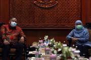 Cegah COVID-19, Whisnu Sakti Aktifkan Kampung Tangguh Surabaya