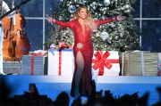 All I Want for Christmas Is You Mariah Carey Pecahkan Rekor Spotify dengan 17 Juta Streams dalam Sehari