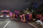 Truk Boks dan Dump Truck Kecelakaan di Tol Dalam Kota