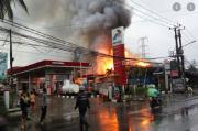 Kerugian Ditaksir Ratusan Juta, SPBU dan Mobil di Pekanbaru Terbakar