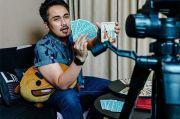 2021, Denny Darko Ramal Artis Legendaris Indonesia Akan Meninggal Dunia