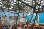 Tak Mampu Menahan Hujan Lebat, Atap SD Negeri 1 Sukadana Ambruk