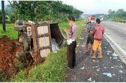 Melaju Kencang, Luxio Seruduk Truk di Tol Cipali, Delapan Luka-luka