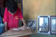 Cacat Fisik Sejak Lahir, Trimo Coba Kuat Tetap Berkarya Lewat Cangkang Telur