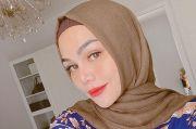 Sadar Belum Bisa Baca Al Quran, DJ Katty Butterfly Belajar Iqro