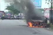 Madura Gempar, Mobil Misterius Terbakar Hebat di Jalur Suramadu